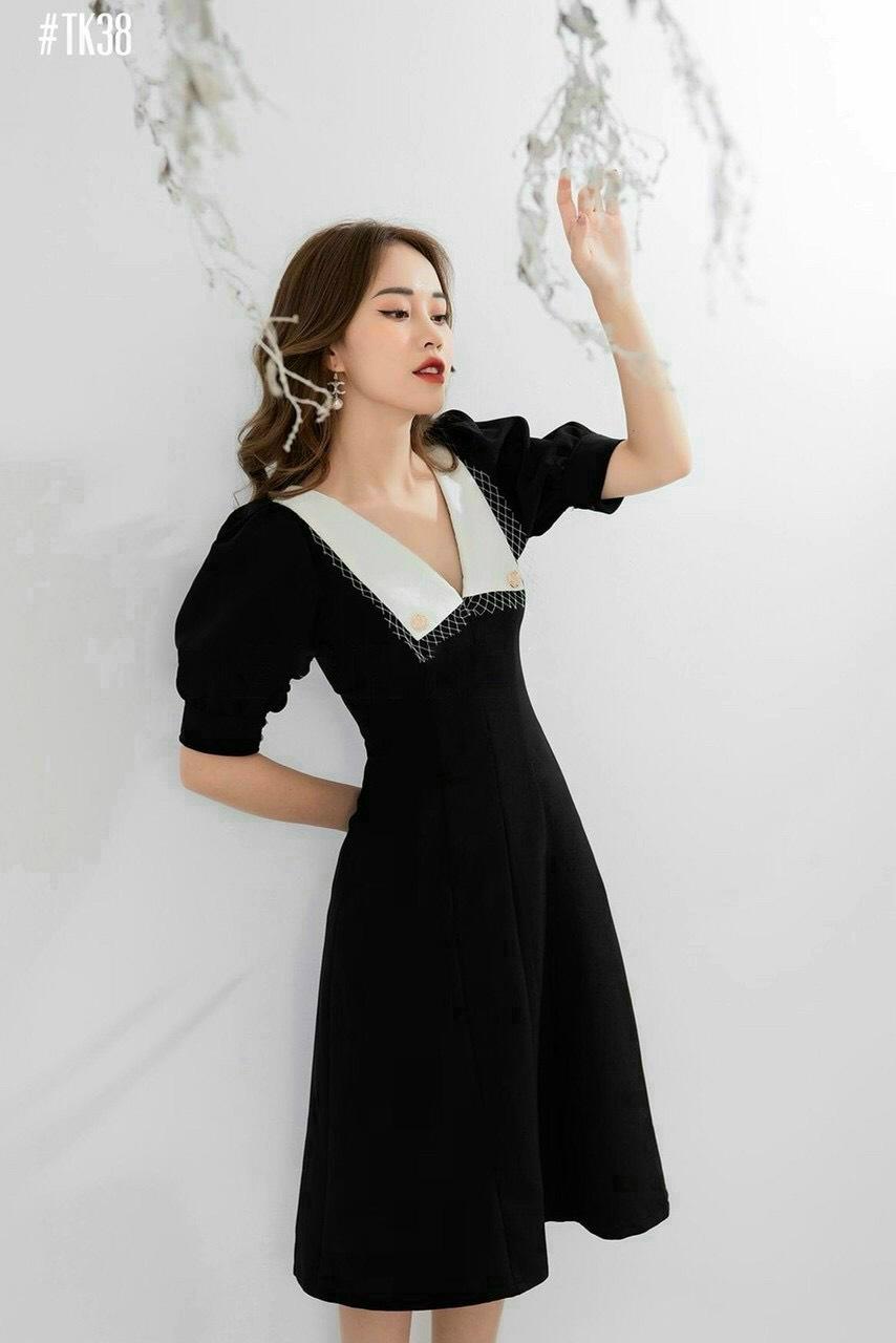 Đầm xòe đen phối cổ sen nhọn YANDO